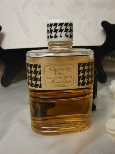 Hand Decanted Sample of Vintage Miss Dior Eau de Toilette by Christian Dior