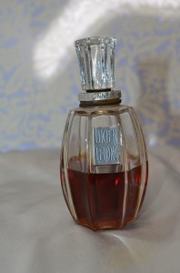 Rare Pure Parfum Passionnement by Lucien Lelong Decanted Perfume Sample