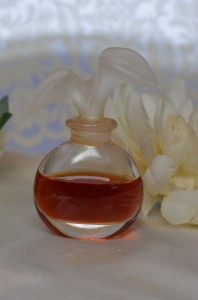 Chloe Pure Perfume Decanted Scent Sample